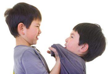 Cách xử trí thông minh khi con đi học bị bắt nạt