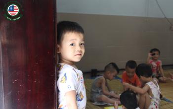 Hành trình thiện nguyện của trẻ mầm non Việt Mỹ Montessori tại chùa Bồ Đề - Long Biên