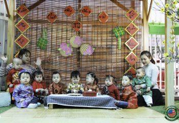 Giữ Tết cho con trẻ - Trải nghiệm 1 ngày gói bánh chưng tại Việt Mỹ Montessori